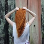 40代女性髪の毛が抜ける!抜け毛が多い女性の薄毛の原因と対策